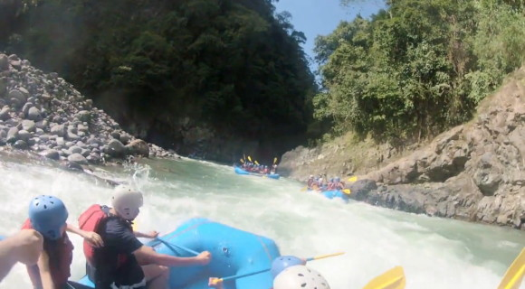 Rafting in Pacuare river
